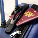 Een travel broek blauw mag niet ontbreken op reis
